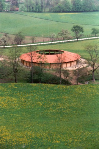 Projektbild Neubau eines Bewegungsrundlaufs im Haupt- und Landgestüt Marbach mit Link zur Projektseite